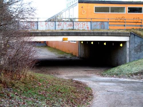 Östra gångvägen under Dragonvägen kr