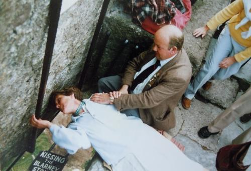 Ner mellan stenarna till Blarney stone kr