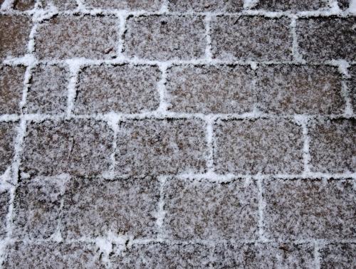 Sten i snö kr