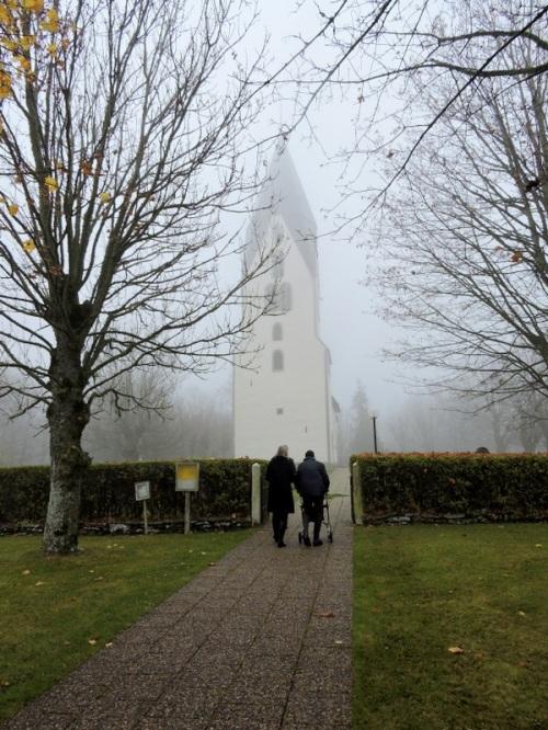 Vid Lojsta kyrka 7 november